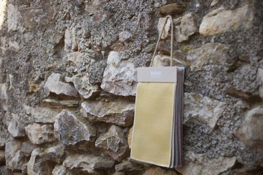 nina amb paret